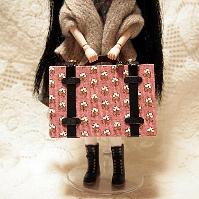 dolls-trunk